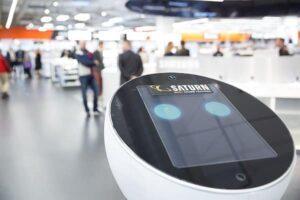 Mediamarkt-Saturn testet Verkaufsroboter Paul in Ingolstadt