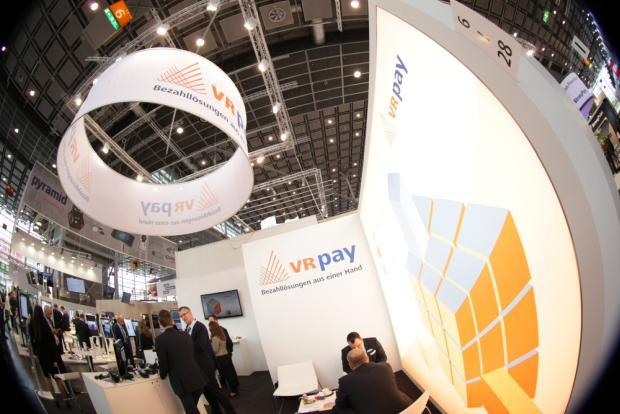 VR pay auf der EuroCIS 2018