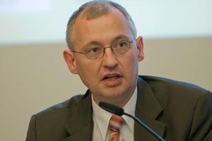 """Martin Schallbruch ist Autor des Buches """"Schwacher Staat im Netz - Wie die Digitalisierung den Staat in Frage stellt"""""""