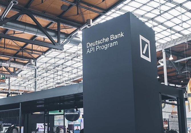 Altersverifizierung von madco und Deutsche Bank