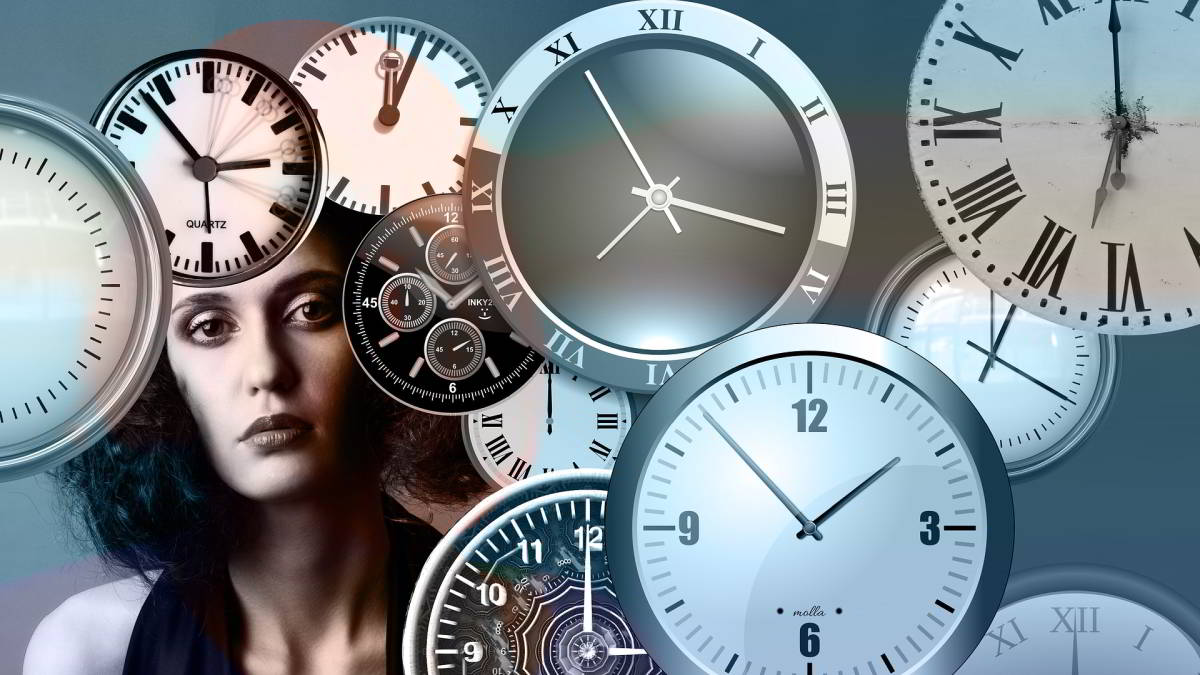 Zeit: aus physikalischer und philosophischer Sicht